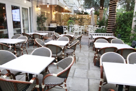 Brasserie Azur... Patio !